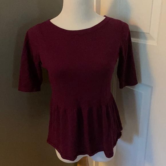🛍 5/$15 🛍 LOFT Peplum sweater